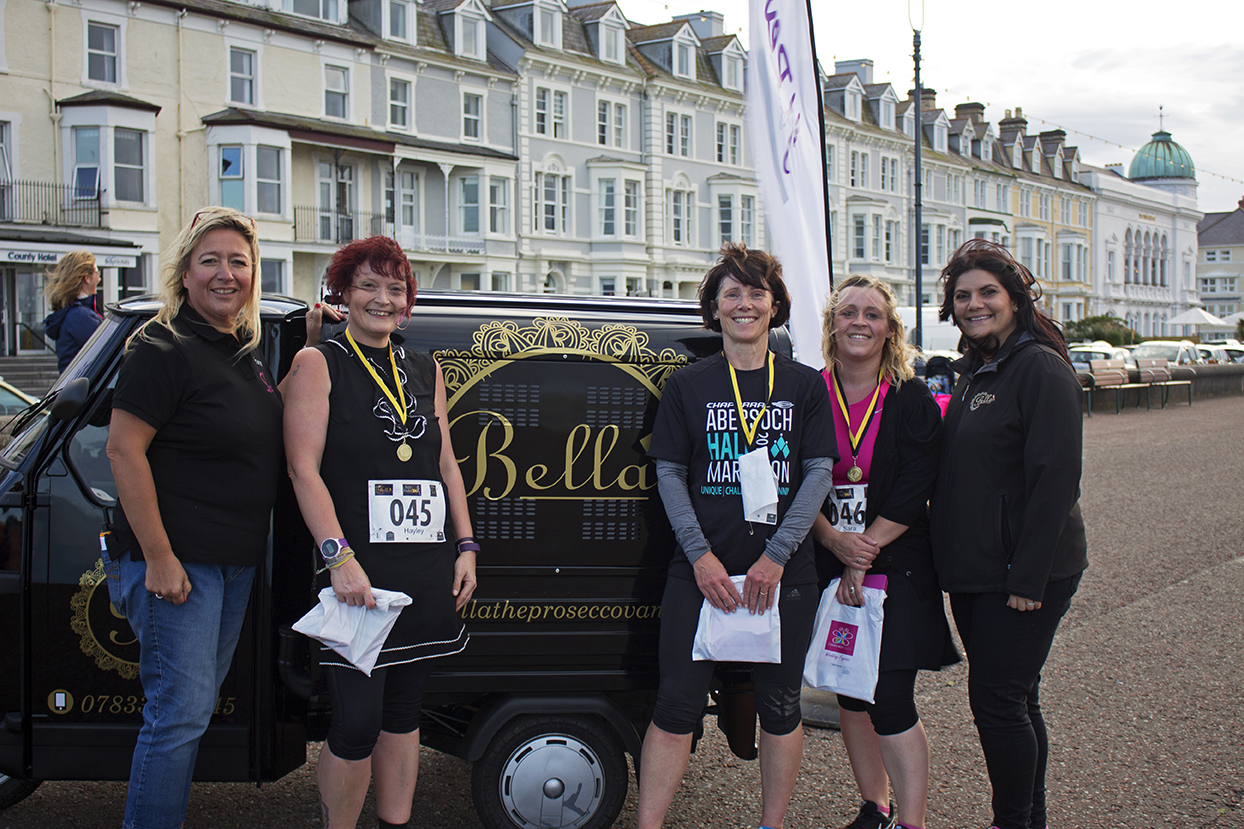 1st, 2nd and 3rd place with the two organisers and Bella.
